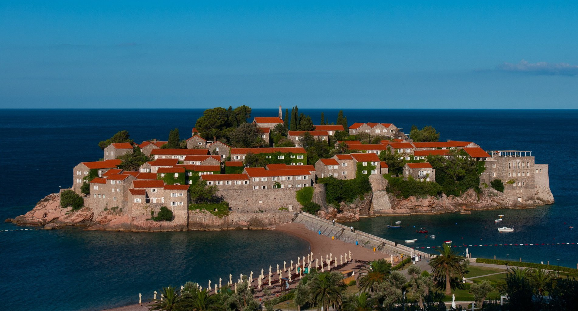 Montenegro 1 (Photo by Simone Padovani:Corbis via Getty Images via Guliver) sveti stefan.jpg