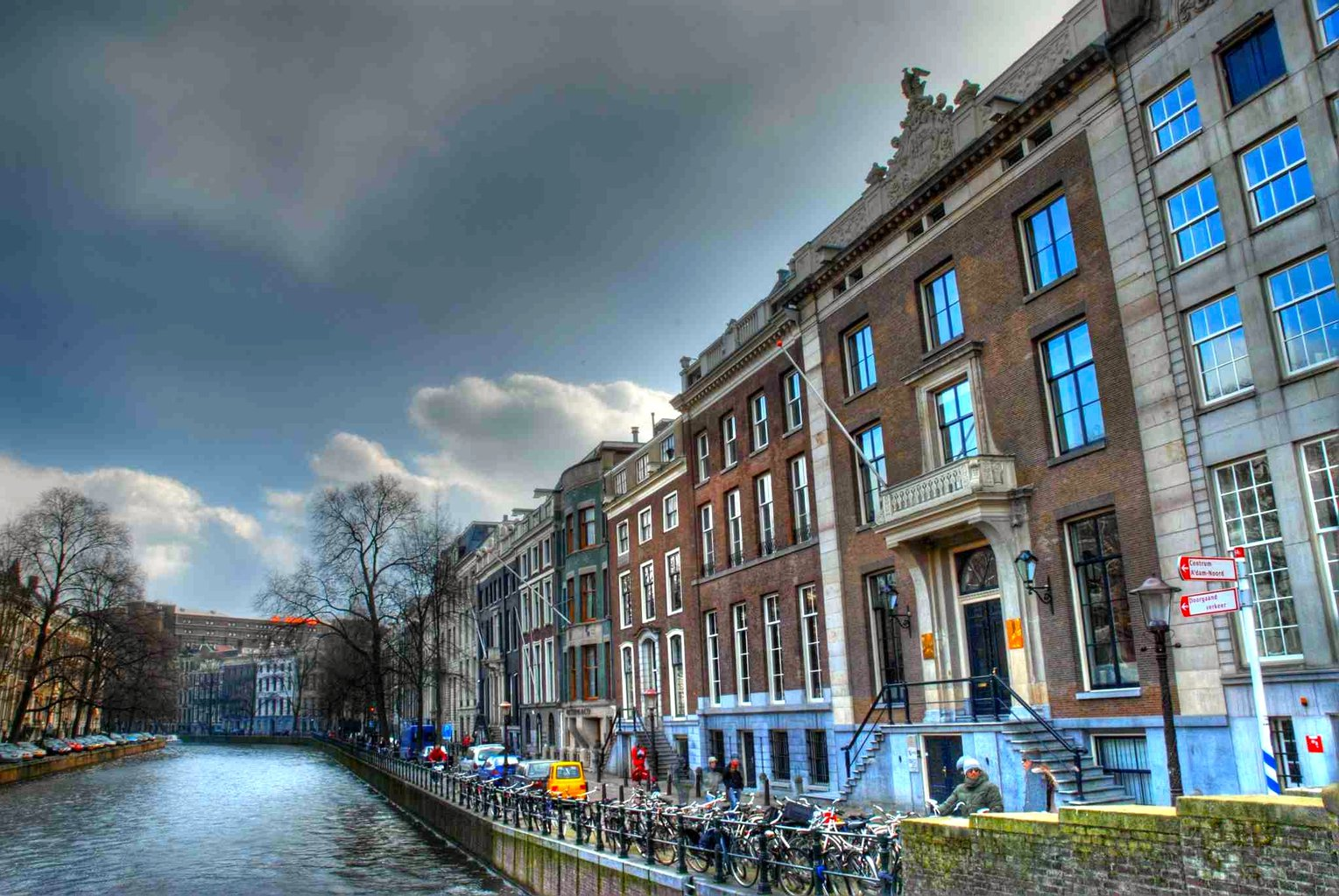 amsterdam-canal-FINAL
